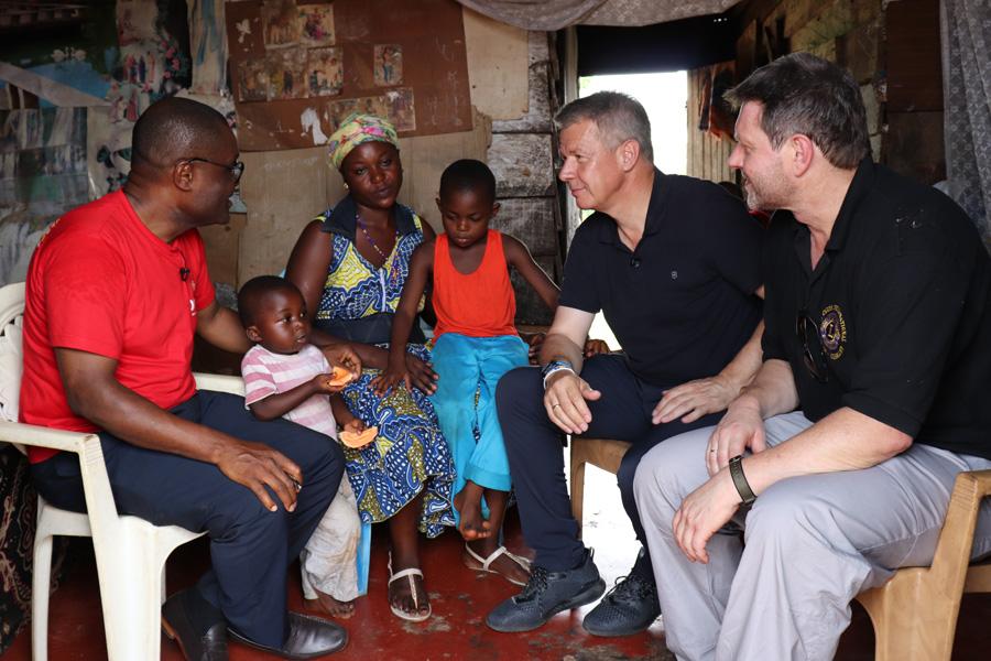 2018 Kamerun - Patenfamilie von Herr Weyel