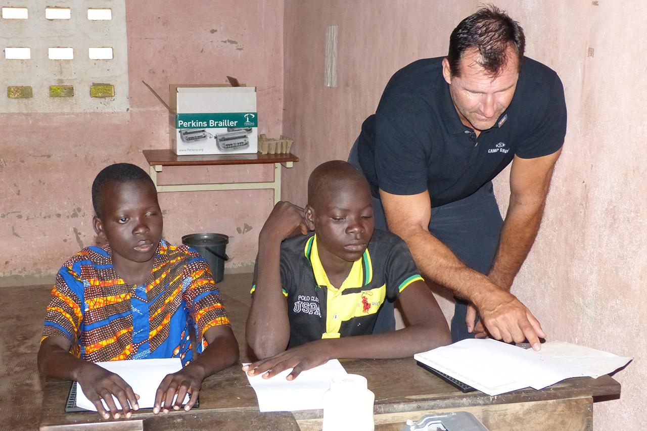 2016 Benin - Unterricht an einer Blindenschule