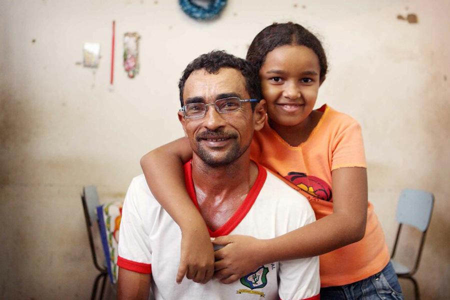 2011 Brasilien - Mädchen mit ihrem Vater