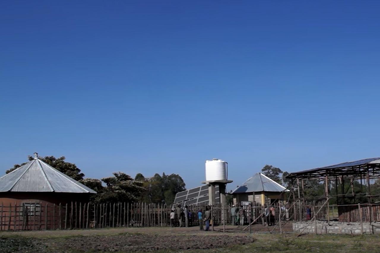 2015 Äthiopien - Der Solarbrunnen aus der Ferne