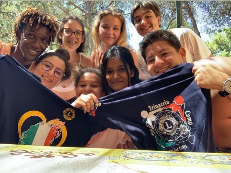 2021 Jugendaustausch -  Eine Gruppe von Lions machten ein Gruppenfoto
